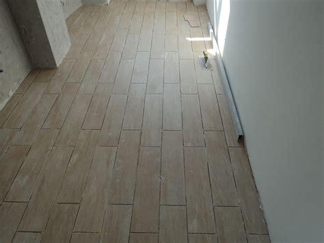 posa in opera pavimento dutca catalin posa in opera pavimento gres porcellanato