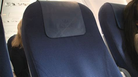 economy comfort seat klm review video klm 737 700 economy comfort row 6 modhop com