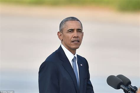 can obama stay in office barack obama becomes serving us president to visit