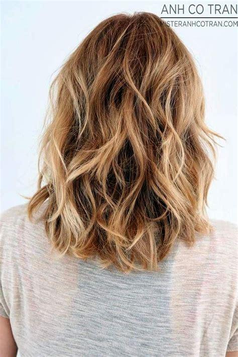 beachy waves for shoulder length hair beach wavy hairstyles for medium length hair see more