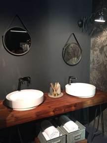 Impressionnant Poser Du Carrelage Dans Une Salle De Bain #5: plan-travail-salle-bain-bois-2-vasques-poser-rondes-miroirs-vintage-assortis.jpg