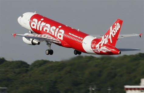 airasia member missing plane flight 8501 airasia goes missing 155