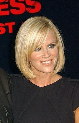 does jenny mccarthy have a weave what do you think jenny mccarthy in a medium length bob