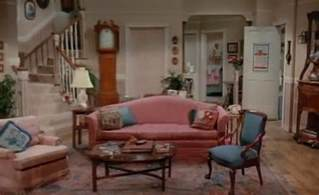 90 s sitcom living rooms