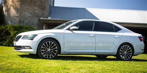 xf infinity luxury sedan comparison part one hyundai genesis v jaguar