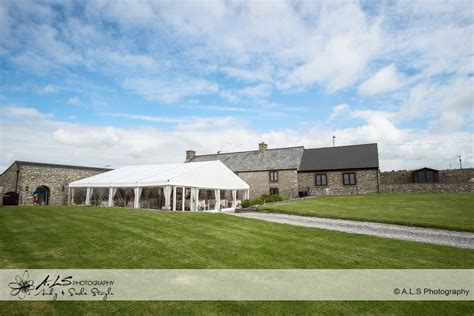 farm wedding venues south west the barn at west farm wedding fayre wedding photographers cardiff als photography