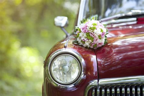 Vintage wedding car hire   Articles   Easy Weddings