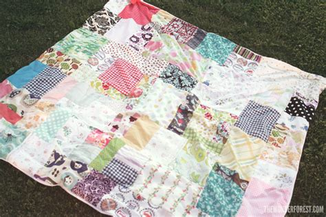 How To Make Patchwork Blanket - easy diy patchwork picnic or blanket from fabric