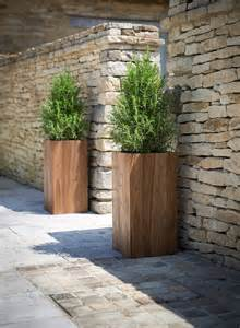 Patio Tree Planters by 25 Best Ideas About Large Outdoor Planters On Pinterest