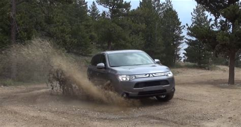 Mitsubishi Outlander Road 2014 Mitsubishi Outlander Climbs Rocky Mountains Road