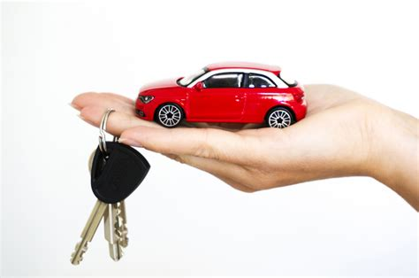 what is an acceptable credit score to buy a house leasing versus financing what s the best way to buy a car