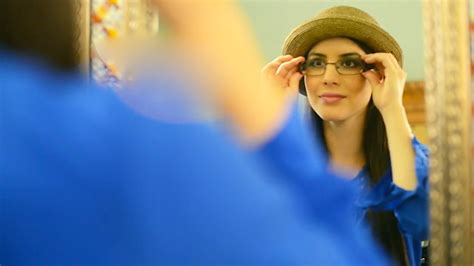 americas best eyeglasses commercial girl americas best eyeglasses actress tamara rodriguez america