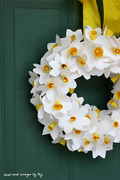 Paper Daffodils - social media recap think crafts by createforless