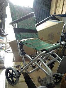 Kursi Roda Anak Anak anak dan kursi roda kursi roda