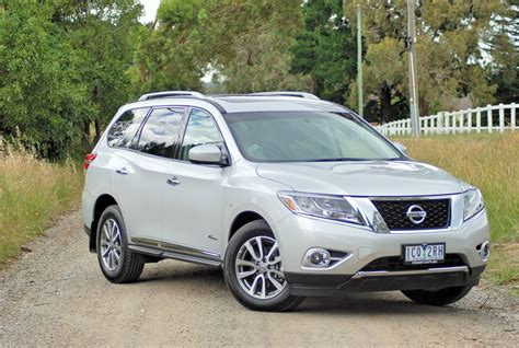 nissan pathfinder hybrid review 2015 nissan pathfinder hybrid st l review