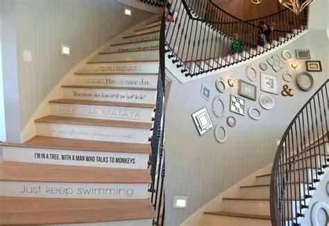 membuat anak tangga delapan cara kreatif mendekorasi tangga rumah dan gaya