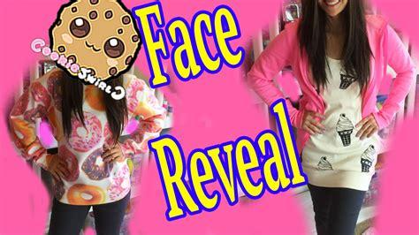 Cookieswirlc Face Reveal   Cookie Swirl Fan Questions & Answers Video   Wacky Loom Bands