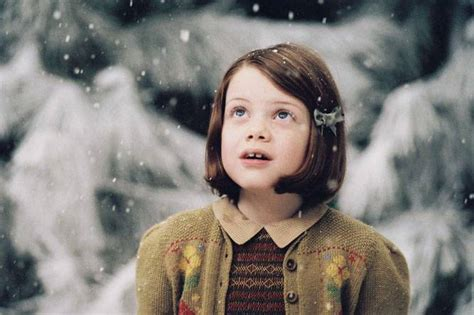 narnia film actress lucy pevensie lucy pevensie image 2503492 fanpop