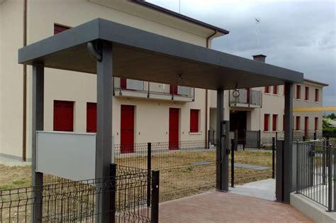 coperture tettoie trasparenti interesting copertura ingresso condominio con struttura in