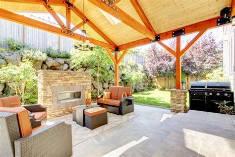 backyard builder building outdoor patios landscapers talk local blog