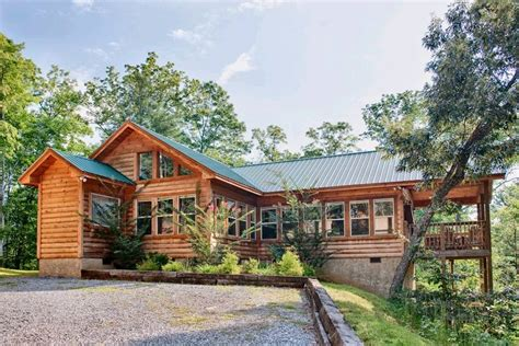 two bedroom cabins in gatlinburg above the clouds 2 bedroom cabin in gatlinburg tn