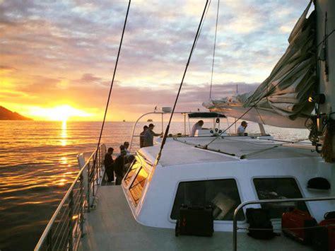 catamaran dinner cruise oahu makani catamaran sunset dinner sail hawaii discount