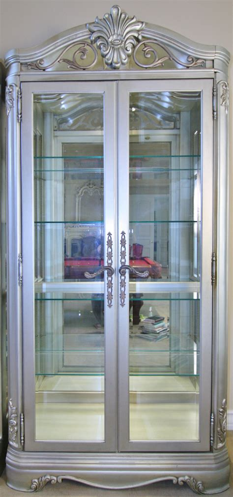 Glass Curio Cabinet With Lights by Sold Thomasville Curio Cabinet Lighted Glass Cabinet
