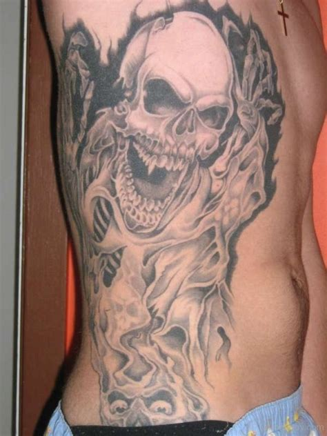tattoos on the ribs skull tattoos designs pictures page 28