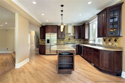 what color kitchen cabinets with dark wood floors cherry kitchen cabinets with dark wood floors