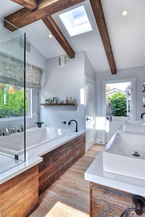 nature bathroom design rustieke badkamer met grove houten planken badkamers