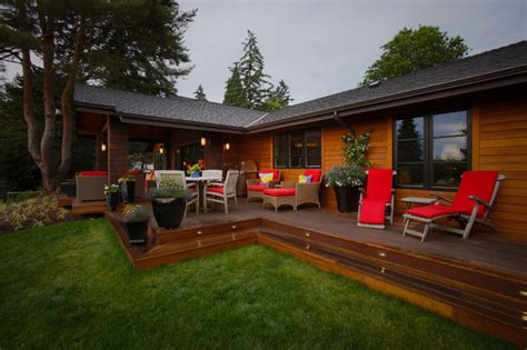 1964 ranch house transitions to 2014 modern mission deck
