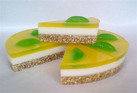 lemon and lime citrus cheesecake soap 1kg 8 slices wsc 03