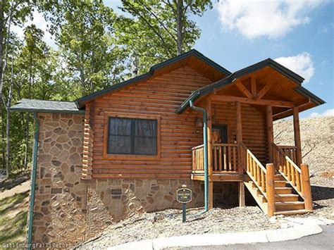 gatlinburg 1 bedroom cabins pin by cabins of the smoky mountains on 1 bedroom cabins