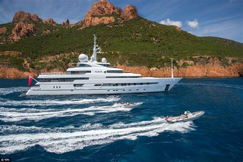 yacht hire uk new app lets holidaymakers search and hire their nearest