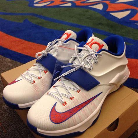 gator basketball shoes chomp on this florida gators nike kd 7 pe sole