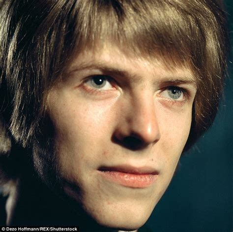 david bowie eye color the remarkable story david bowie s distinctive