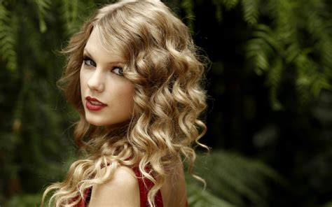taylor swift hairstyles for curly hair taylor swift curly hairstyle hd wallpaper of celebrities