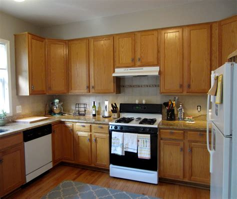 Kitchen Paint Colors With Light Oak Cabinets by Builder Grade To Grade A Light Blue Lemonade