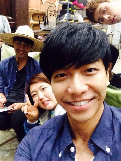 lee seung gi go ara you re all surrounded go ara and lee seung gi www imgkid the image kid