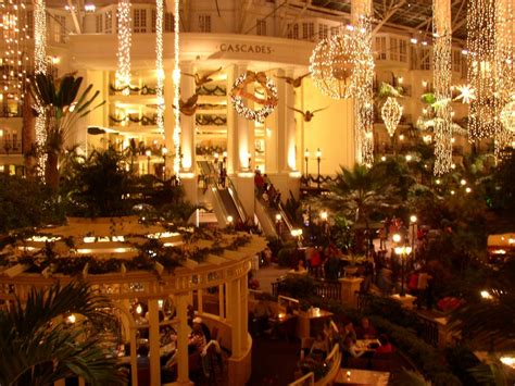 christmas lights at opryland in nashville at gaylord opryland