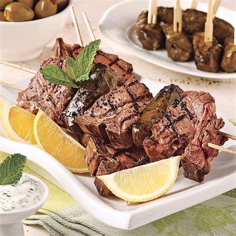 brochettes d agneau 224 la grecque sur le barbecue