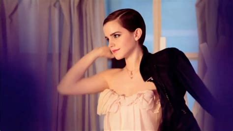 emma watson perfume check out the ravishing emma watson s pictures through the