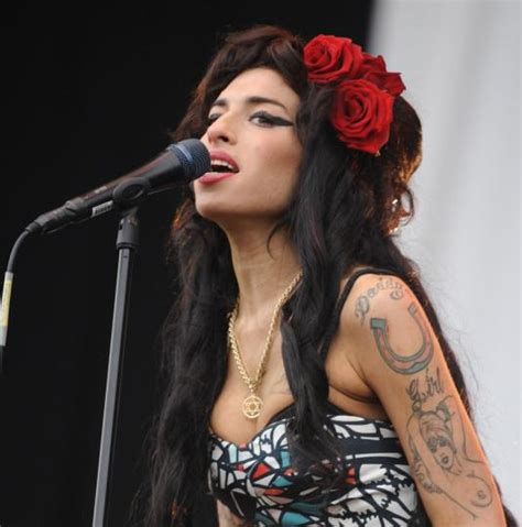 amy winehouse hairstyle women styler