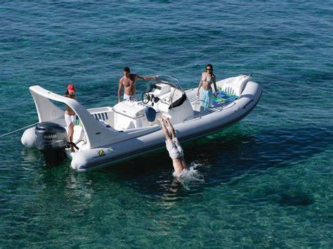 zodiac rubberboot huren rib zodiac medline iii majorca huren jacht charter