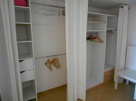 rideaux pour placard de chambre dressing avec rideaux rangement inspiration et assaisonnement