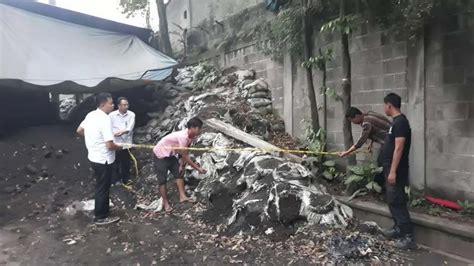 Garis Polisi Atau Polise Line pabrik celup di cimahi ditutup polda jabar nih buktinya