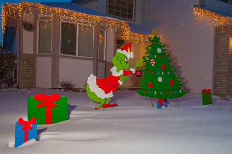 grinch yard decorations 7 best yard images on