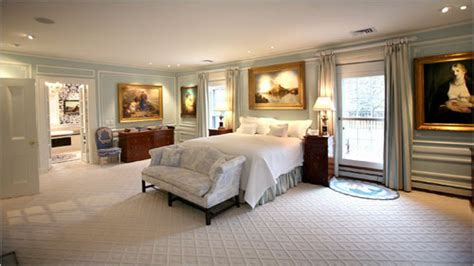 how big should a bedroom be large master bedrooms master bedroom suite design mansion