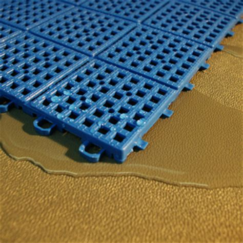 Outdoor Mats For Pool Area by Pool Surround Greatmats Flooring Systems