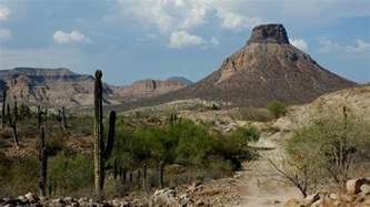 what is the landscape like in mexico reference com